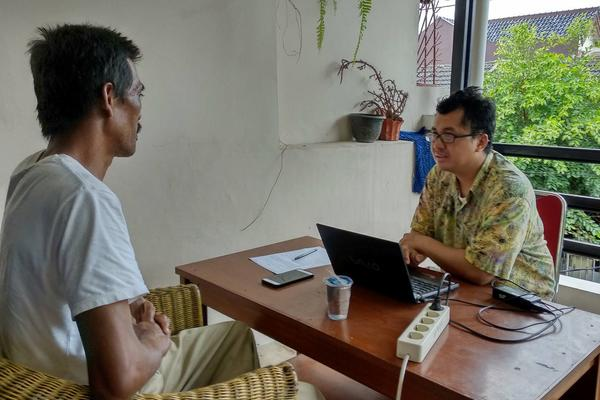 LD enumerator interviewing TNF investee